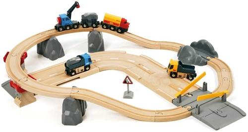 Brio Holz Eisenbahn Set Straßen & Schienen Steinverlade Set 33210