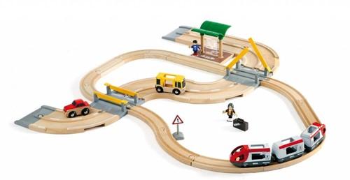Brio Holz Eisenbahn Set BRIO Straßen und Schienen Reise Set 33209