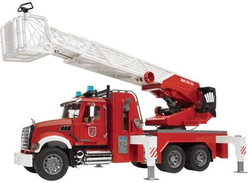 BRUDER MACK Granite fire engine with water pump Spielzeugfahrzeug